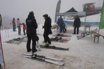 Testování lyží Elan